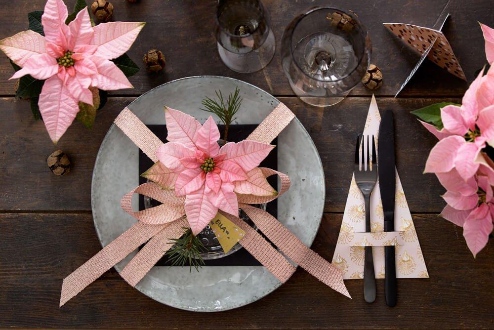 Γιορτινό τραπέζι με εντυπωσιακά αλεξανδρινά και εύκολες χειροτεχνίες
